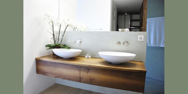 Schöne Badmöbel aus Massivholz